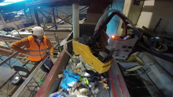 Resultado de imagen de robots inteligentes hacen mas rentable la recuperación de residuos
