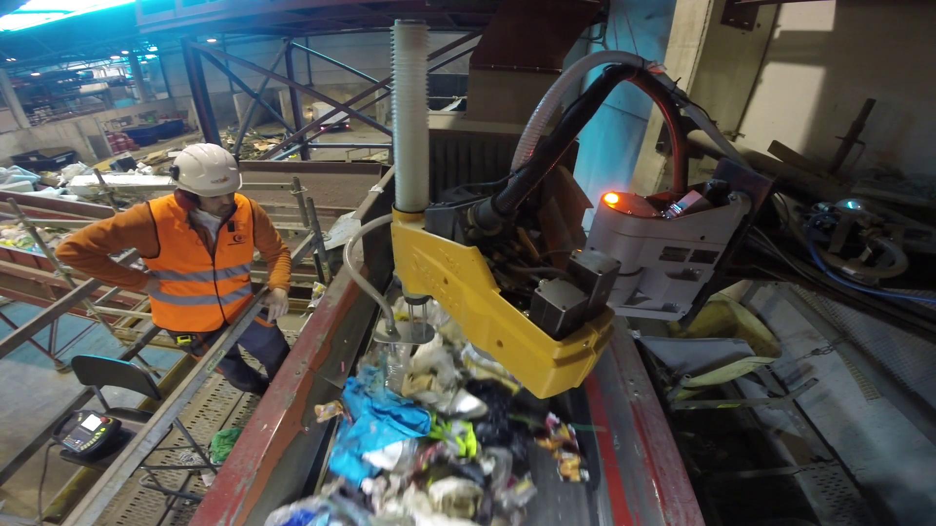 Robots inteligentes y con 'buen ojo' hacen más rentable la recuperación de residuos
