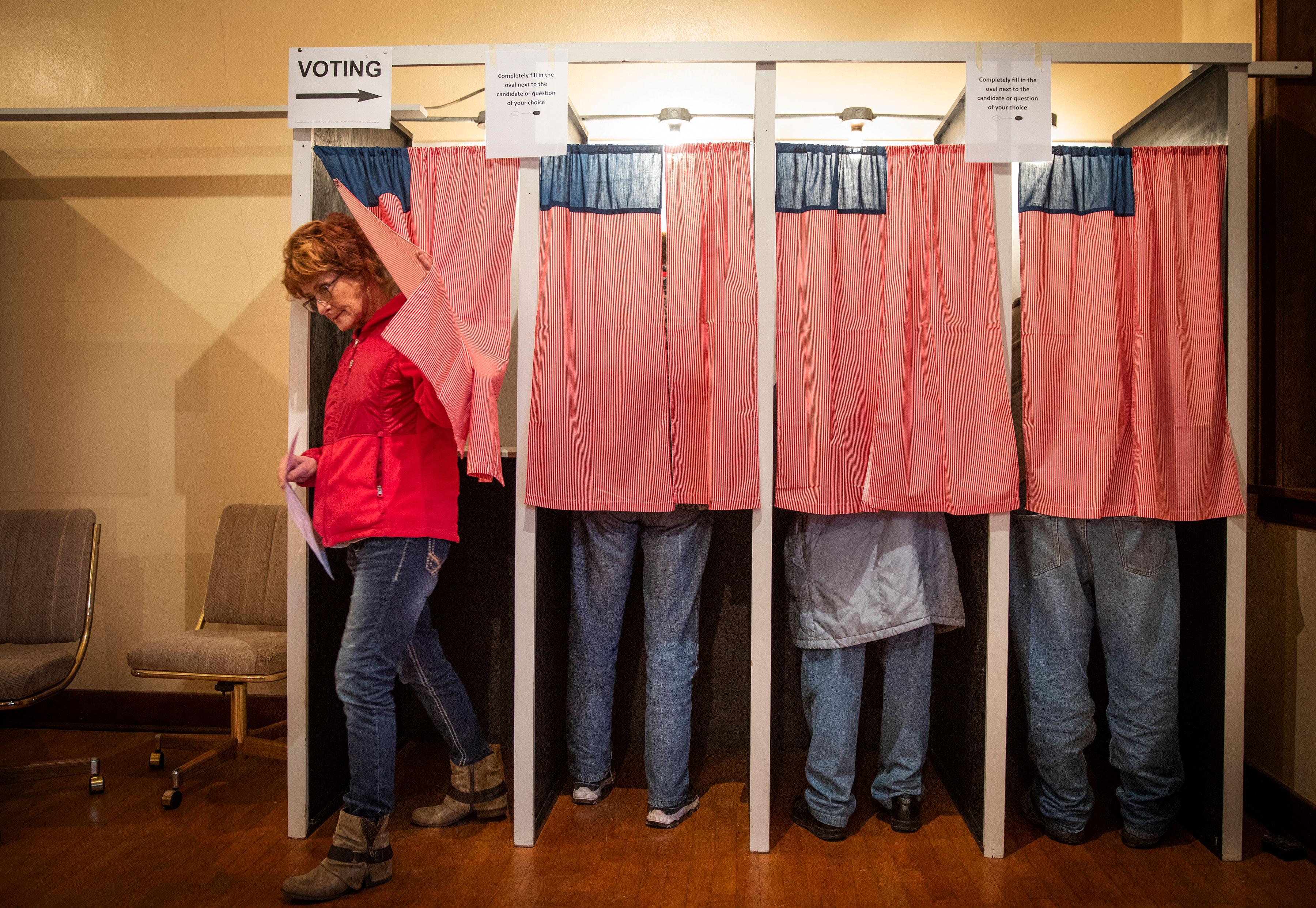 El papel sigue siendo la opción más segura para votar en elecciones