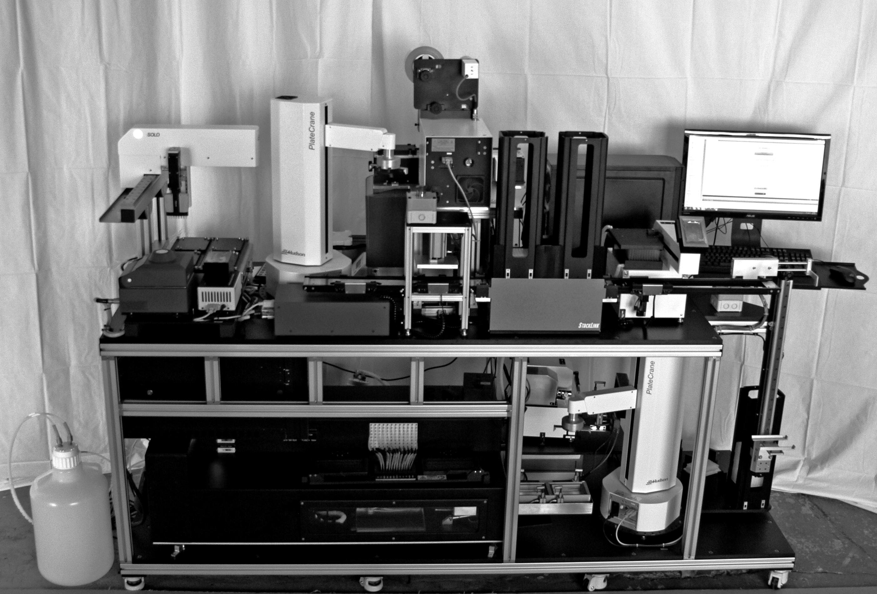 La nueva hazaña de Venter: una máquina que 'teletransporta' virus a partir de su código digital