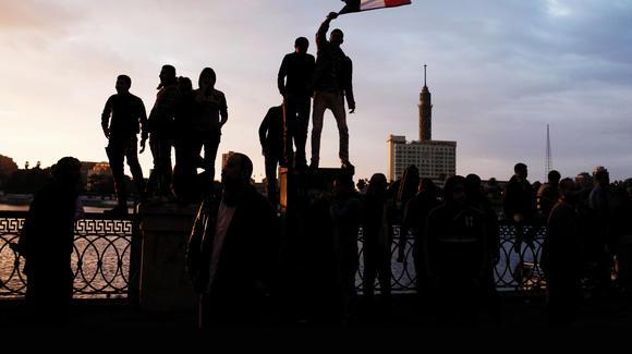 Los manifestantes egipcios afirmaron que prevalecerían con la única condición de tener internet y un teléfono inteligente.